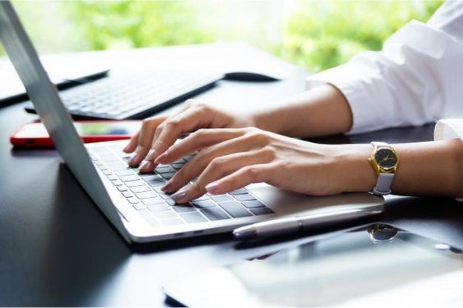 Thiết kế website bán laptop